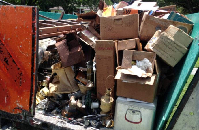 Trash Removal-Roanoke Dumpster Rental & Junk Removal Services-We Offer Residential and Commercial Dumpster Removal Services, Portable Toilet Services, Dumpster Rentals, Bulk Trash, Demolition Removal, Junk Hauling, Rubbish Removal, Waste Containers, Debris Removal, 20 & 30 Yard Container Rentals, and much more!